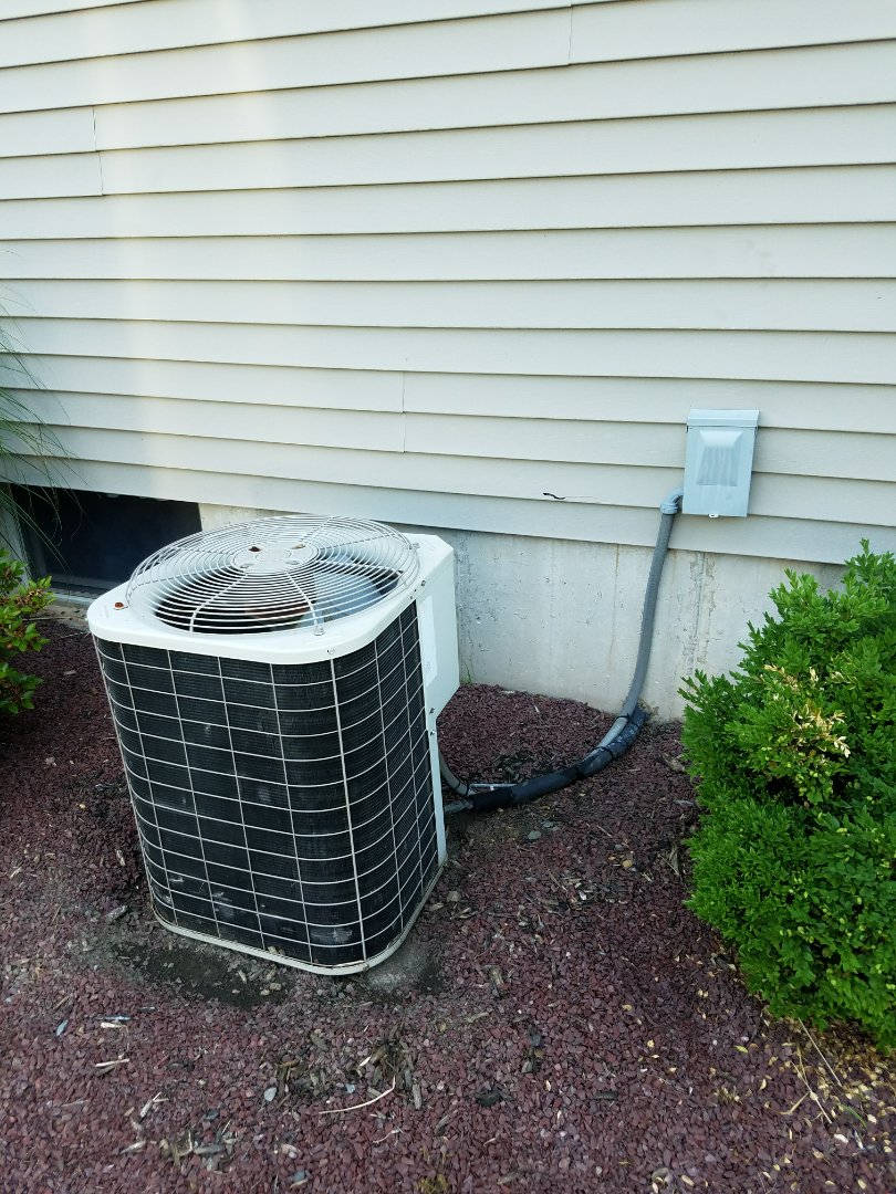 Easton, PA - Refrigerant leak search on air conditioning system
