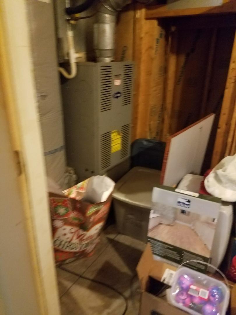Bethlehem, PA - Carrier oil furnace has oil smell
