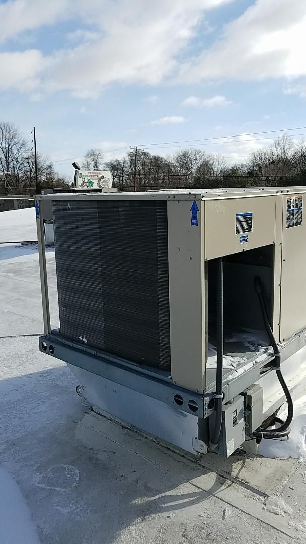 Wind Gap, PA - No heat rooftop heat pump