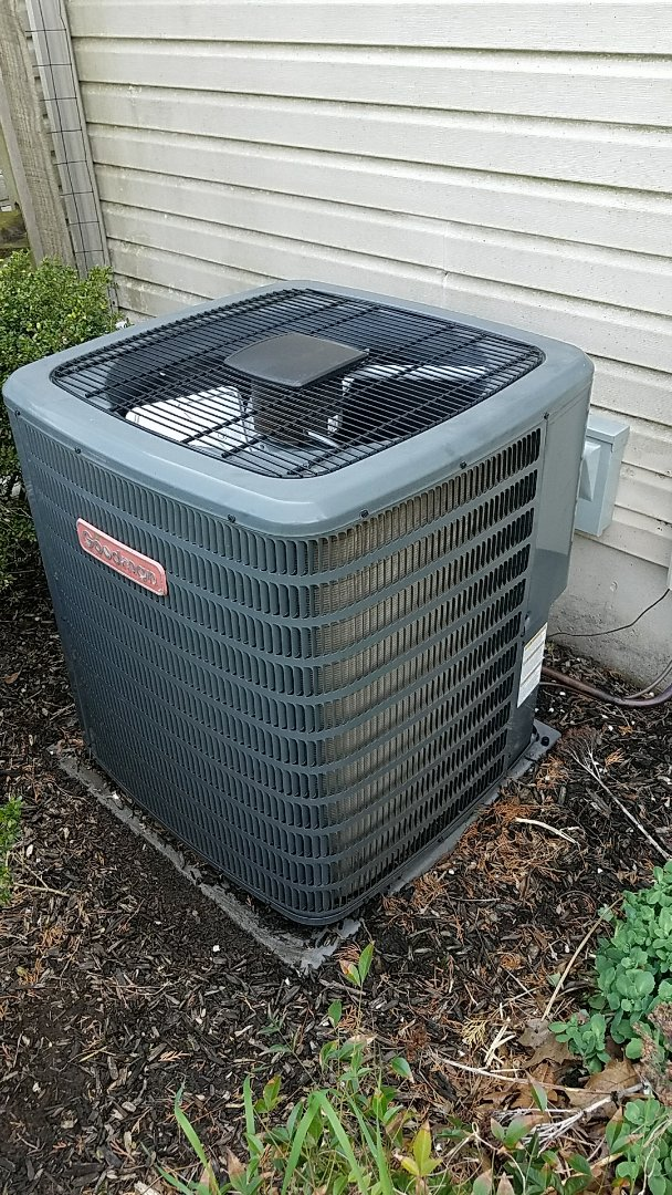 Bethlehem, PA - Refrigerant leak repair on Goodman air conditioning unit