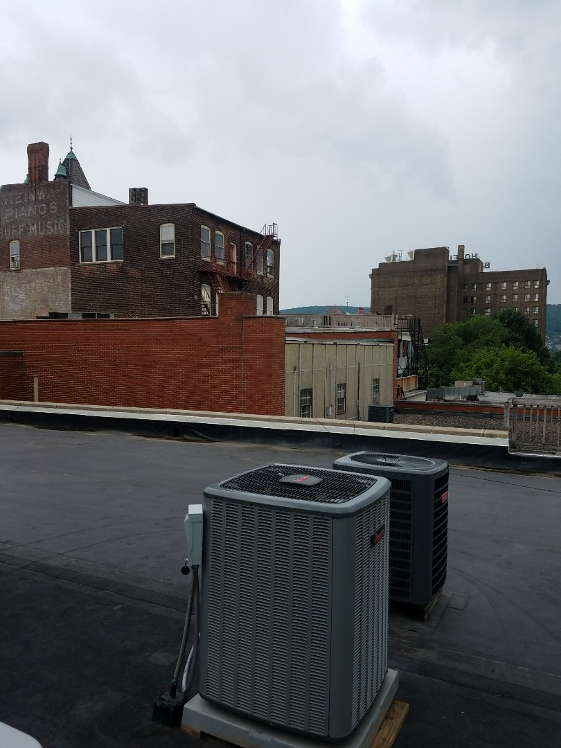 Bethlehem, PA - Replacing Amana rooftop heat pump