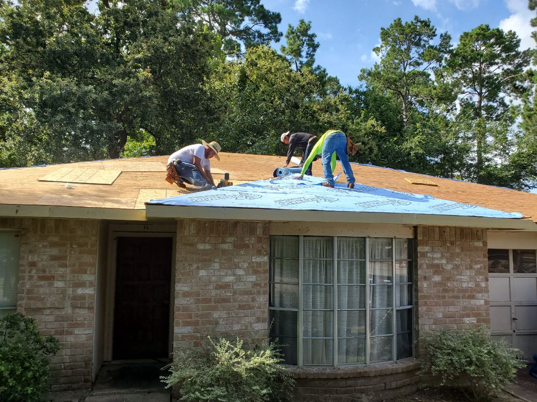 Spring, TX - At it again! Going to put on a CertainTeed Landmark Integrity Roof System today.