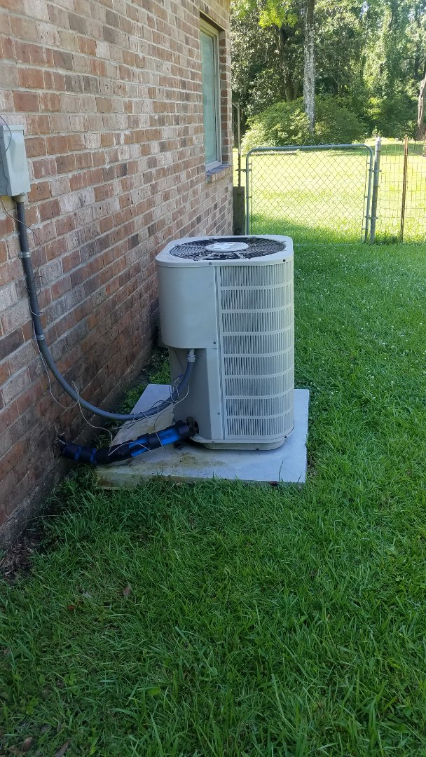Denham Springs, LA - Performed ac tune up for a club member at one hour on 3 ton r22 in Watson la 70706