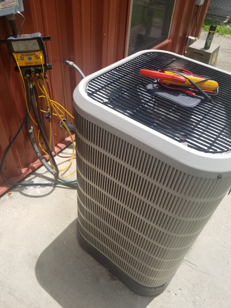 Saint Francisville, LA - PERFORMED  AC MAINTENANCE ON 2017 CARRIER SYSTEM IN THE ST FRANCISVILLE AREA