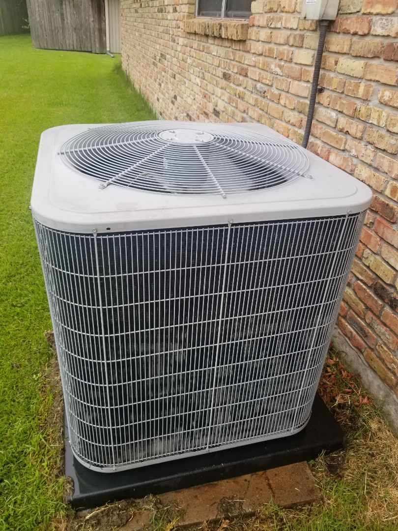 Baton Rouge, LA - PERFORMED AC MAINTENANCE ON 2014 CARRIER SYSTEM IN THE BATON ROUGE AREA