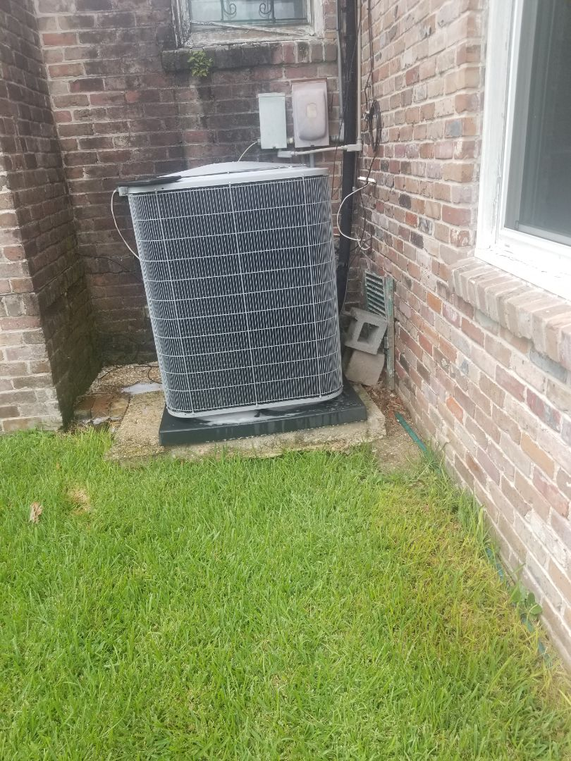 Prairieville, LA - PERFORMED A/C MAINTENANCE ON 2015 CARRIER SYSTEM IN THE BATON ROUGE AREA