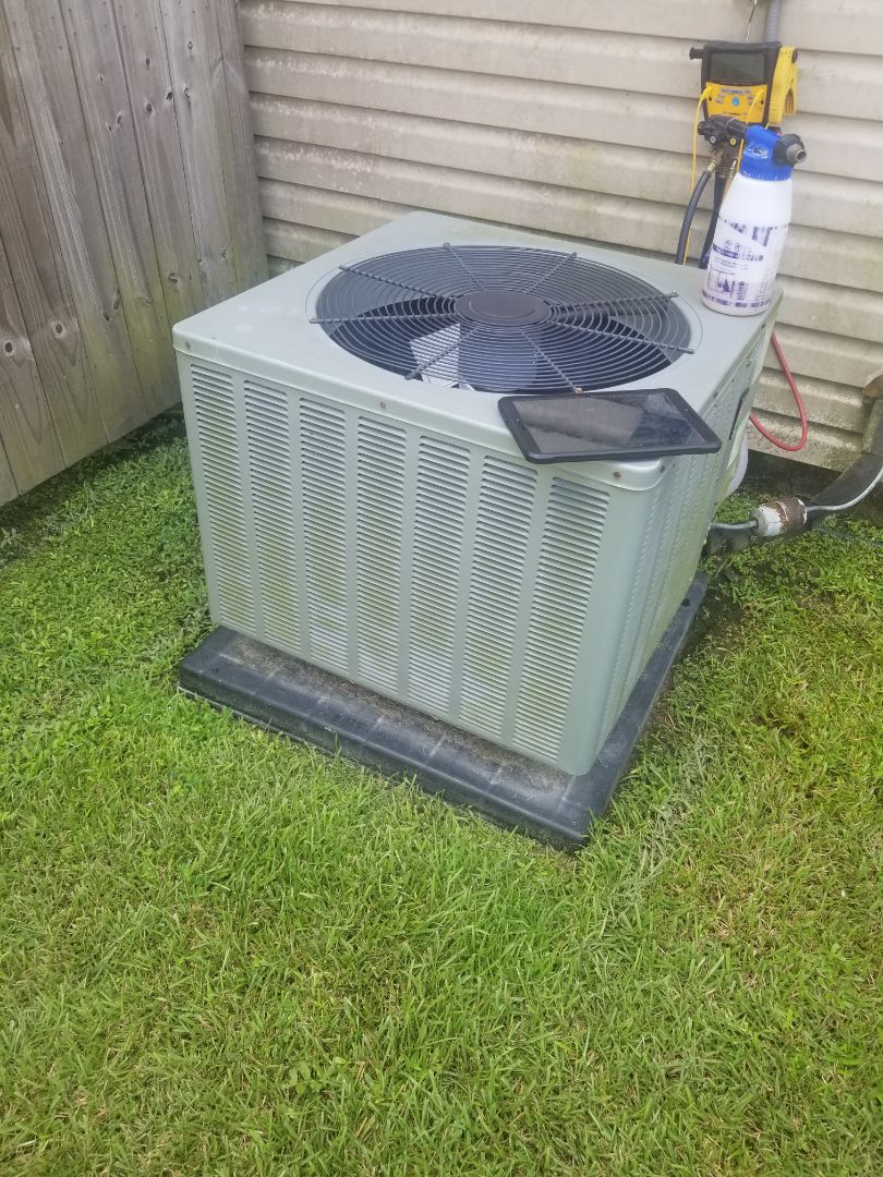 Denham Springs, LA - PERFORMED AC TUNE ON 2011 RHEEM SYSTEM  IN THE DENHAM SPRINGS  AREA