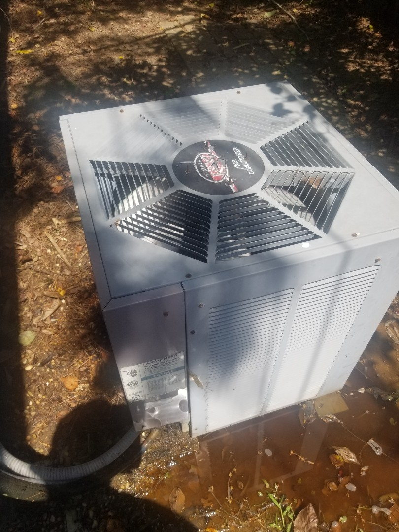 Zachary, LA - PERFORMED A/C MAINTENANCE ON 2002 R-22 TRANE SYSTEM IN THE ZACHARY  AREA