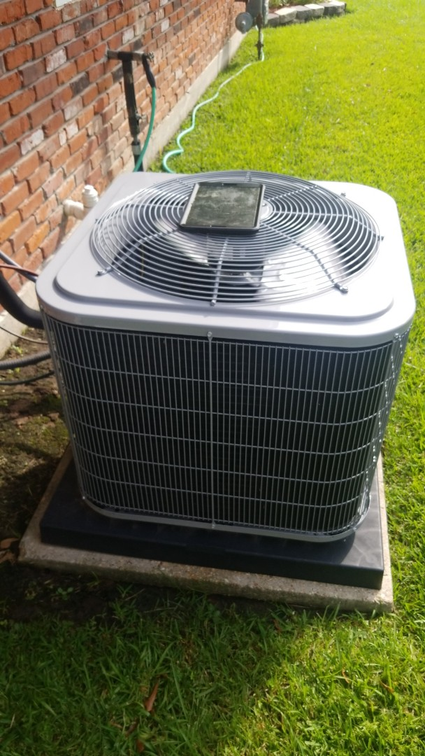 Baton Rouge, LA - PERFORMED A/C  MAINTENANCE on 2018 CARRIER SYSTEM IN THE BATON ROUGE AREA