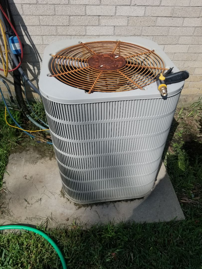 Baton Rouge, LA - PERFORMED A/C MAINTENANCE ON 2003 TRANE R-22 SYSTEM  IN THE BATON ROUGE  AREA