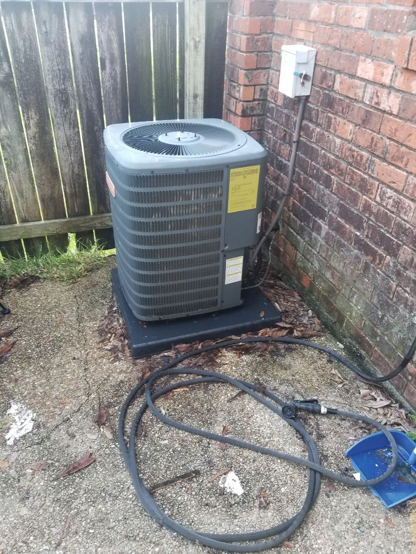 Baton Rouge, LA - PERFORMED A/C MAINTENANCE ON 2014 R-22 SYSTEM IN THE BATON ROUGE AREA