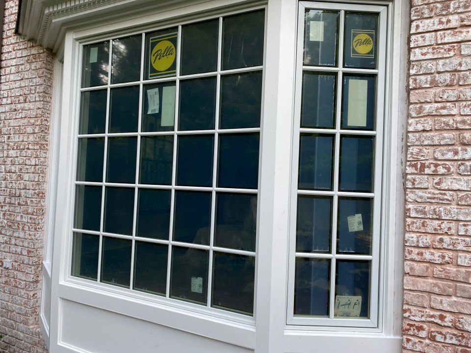 Millburn, NJ - Pella Bay window, Architect Series. Simulated divided light windows.