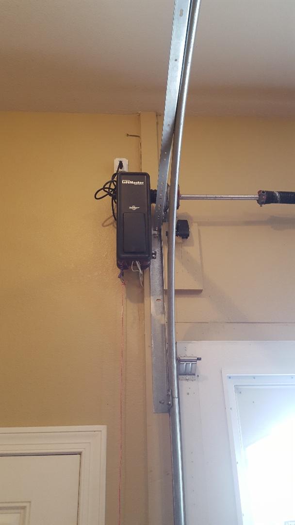 Arlington, IL - New side mount opener.