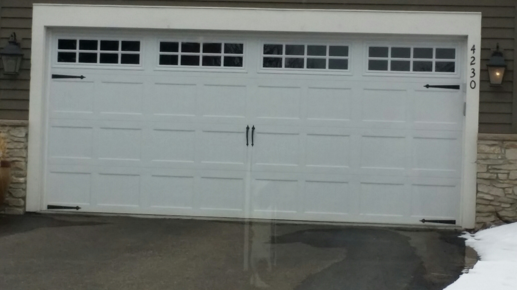 Medina, MN - Carriage style north central garage door