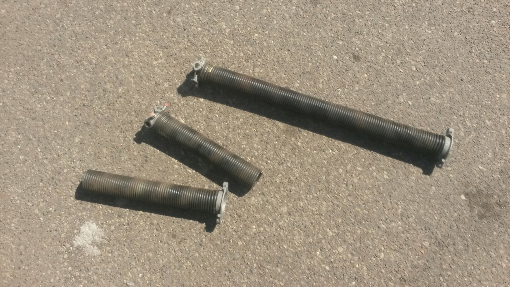 West Saint Paul, MN - Rory replaced garage door springs and a center bearing in West St Paul, Minnesota.