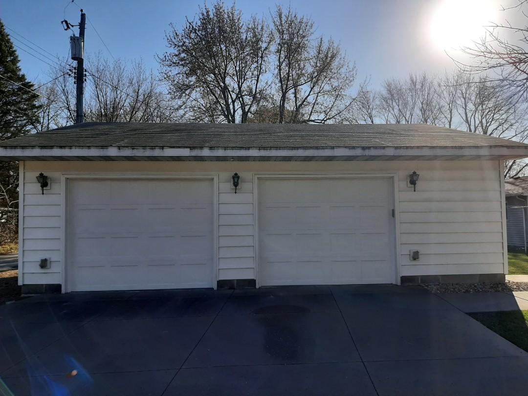 Vadnais Heights, MN - Jeremy installed new garage doors