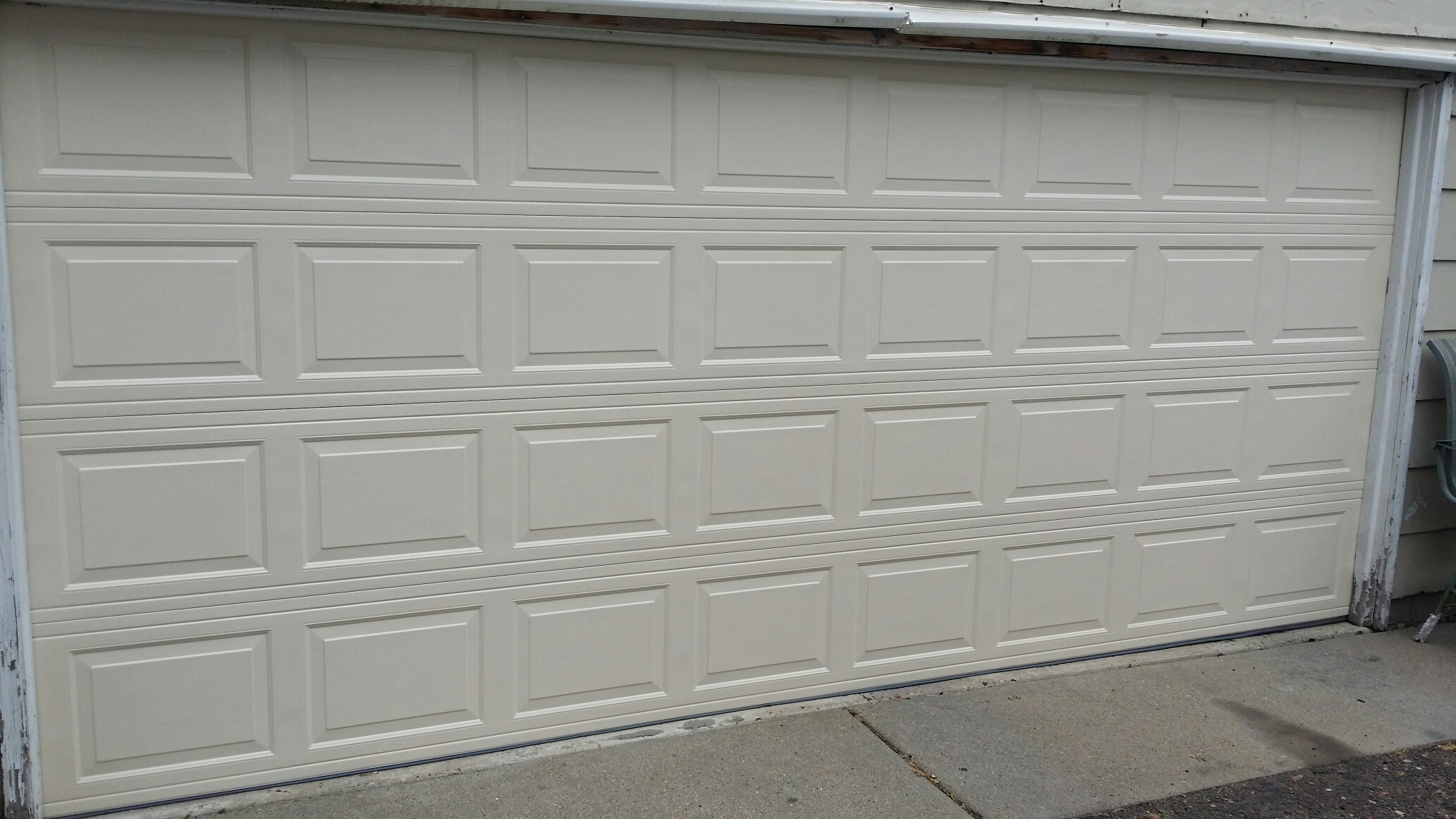 Montrose, MN - Jon installed North Central RP25 16x7 garage door
