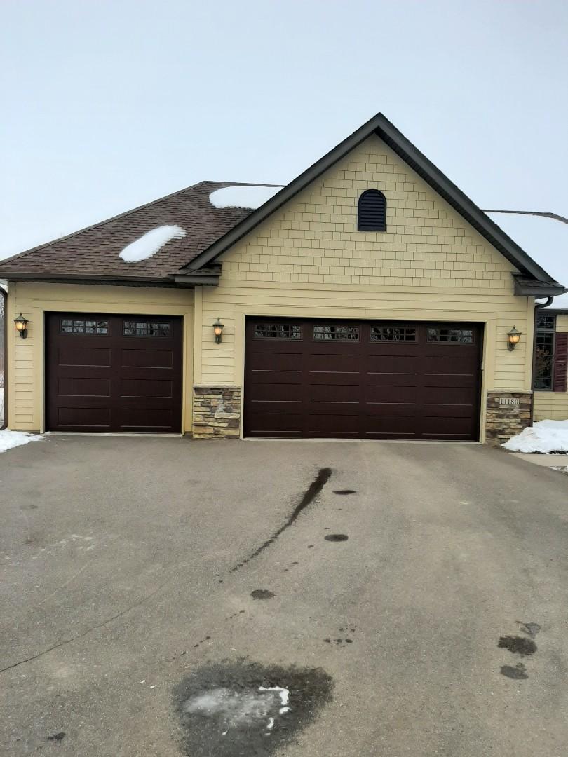 Rogers, MN - Jeremy installed new garage doors