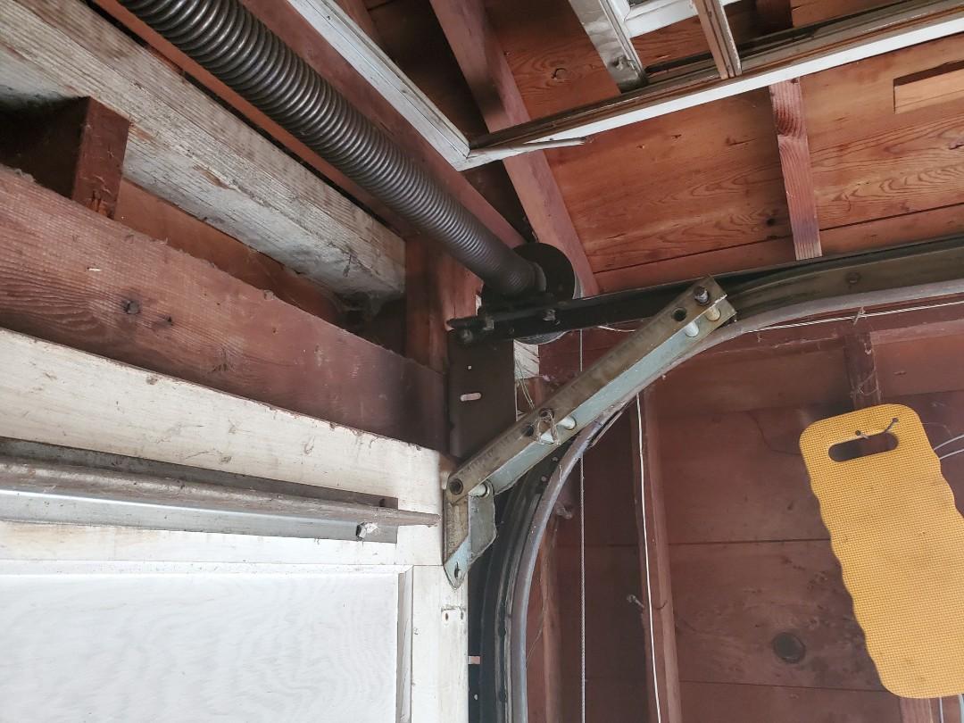 Roseville, MN - Garage Door Service Garage Door Repair Garage Door Replacement Roseville Minnesota