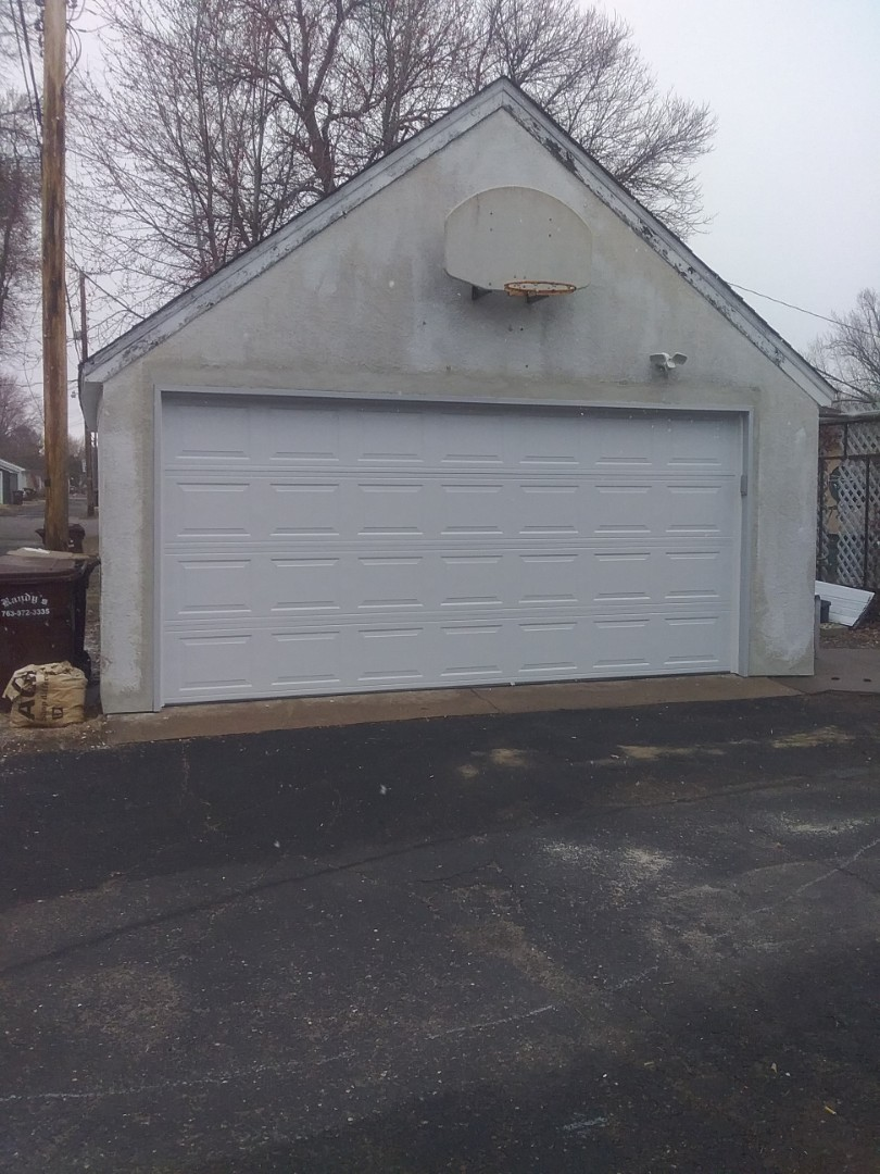 Osseo, MN - Garage door replacement