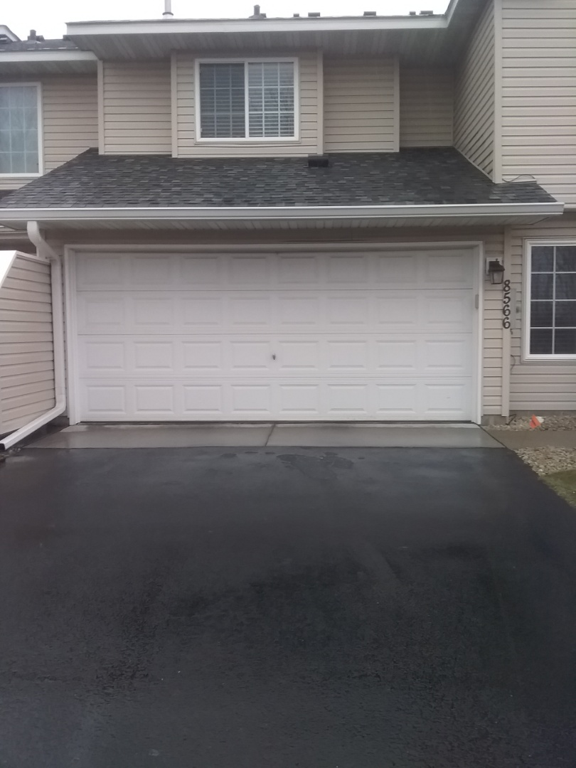 Champlin, MN - Garage door replacement