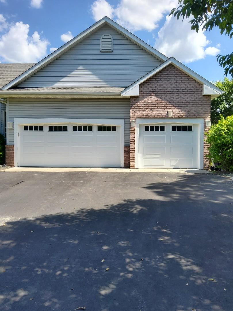 Lakeville, MN - Garage door replacement