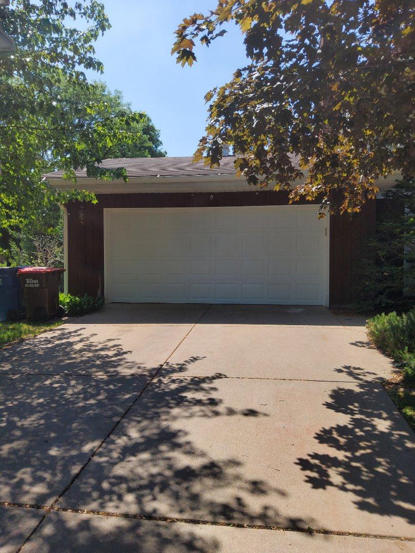 Maplewood, MN - Garage door replacement