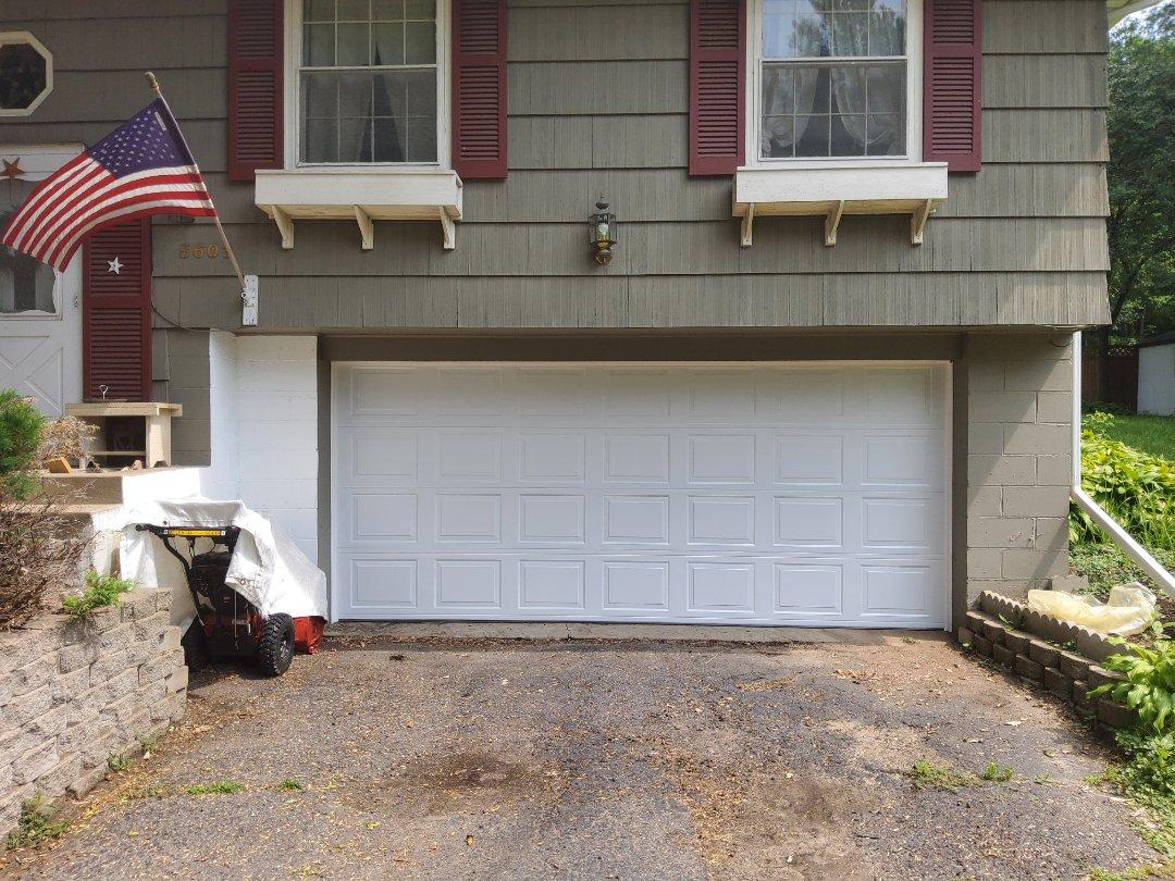 Minnetonka, MN - Garage door replacement