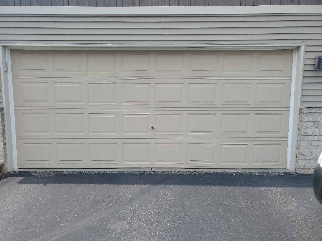 Lino Lakes, MN - Garage Door Service Garage Door tune-up Lino Lakes Minnesota