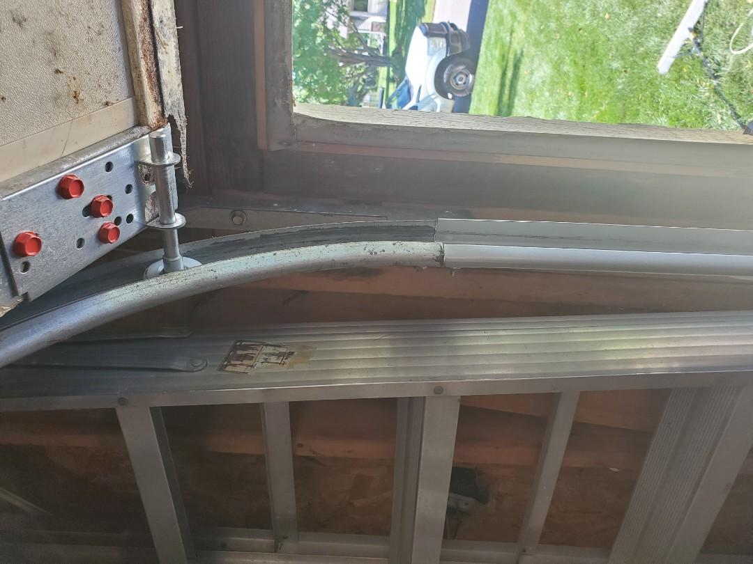 Garage door repair repair garage door service broken cable replacement bro Brooklyn Park Minnesota