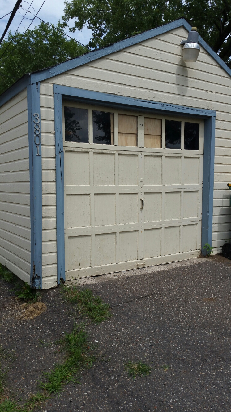 Robbinsdale, MN - Free estimate for garage door replacement