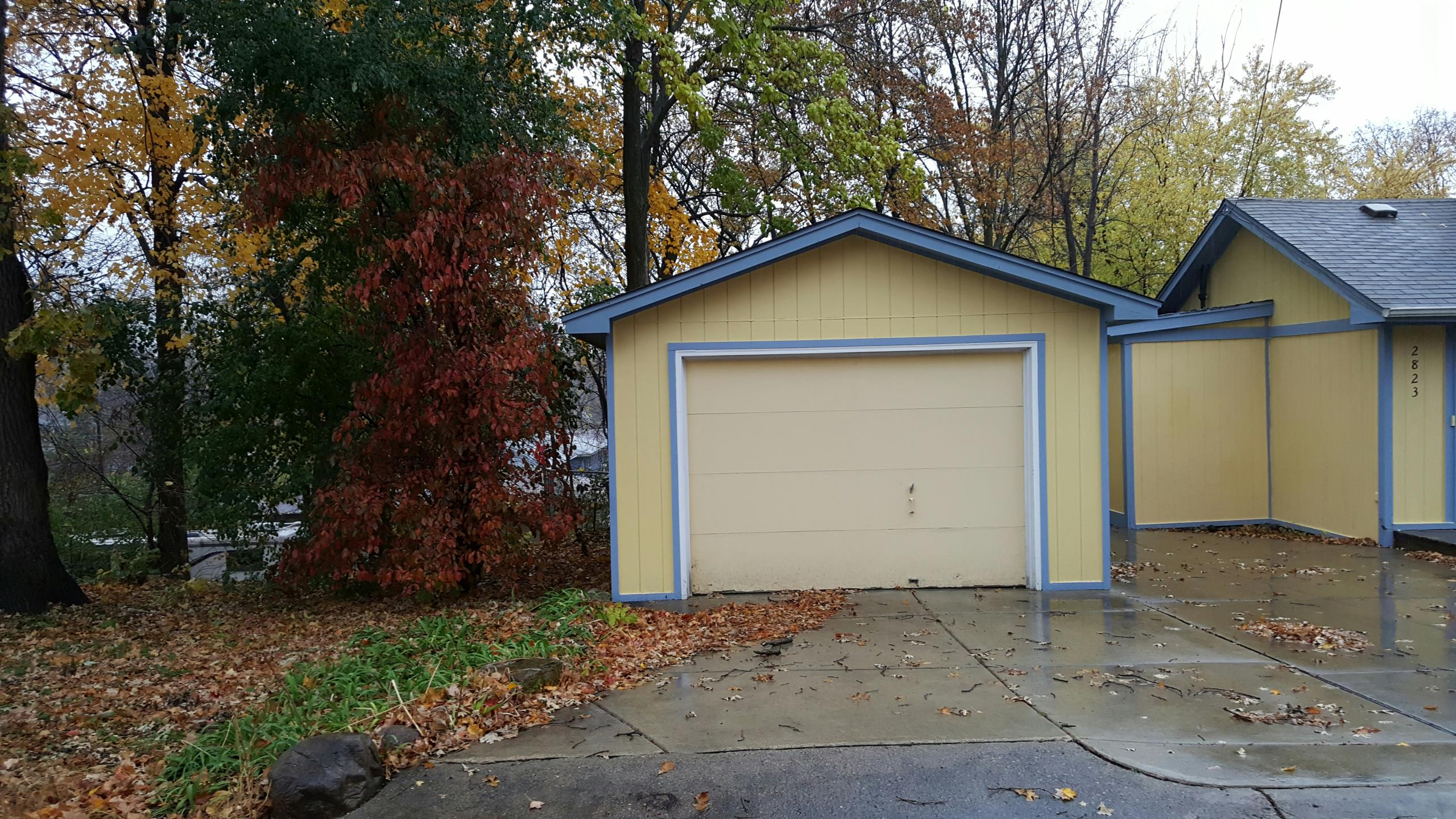 Mound, MN - Estimate for a new garage door replacement.