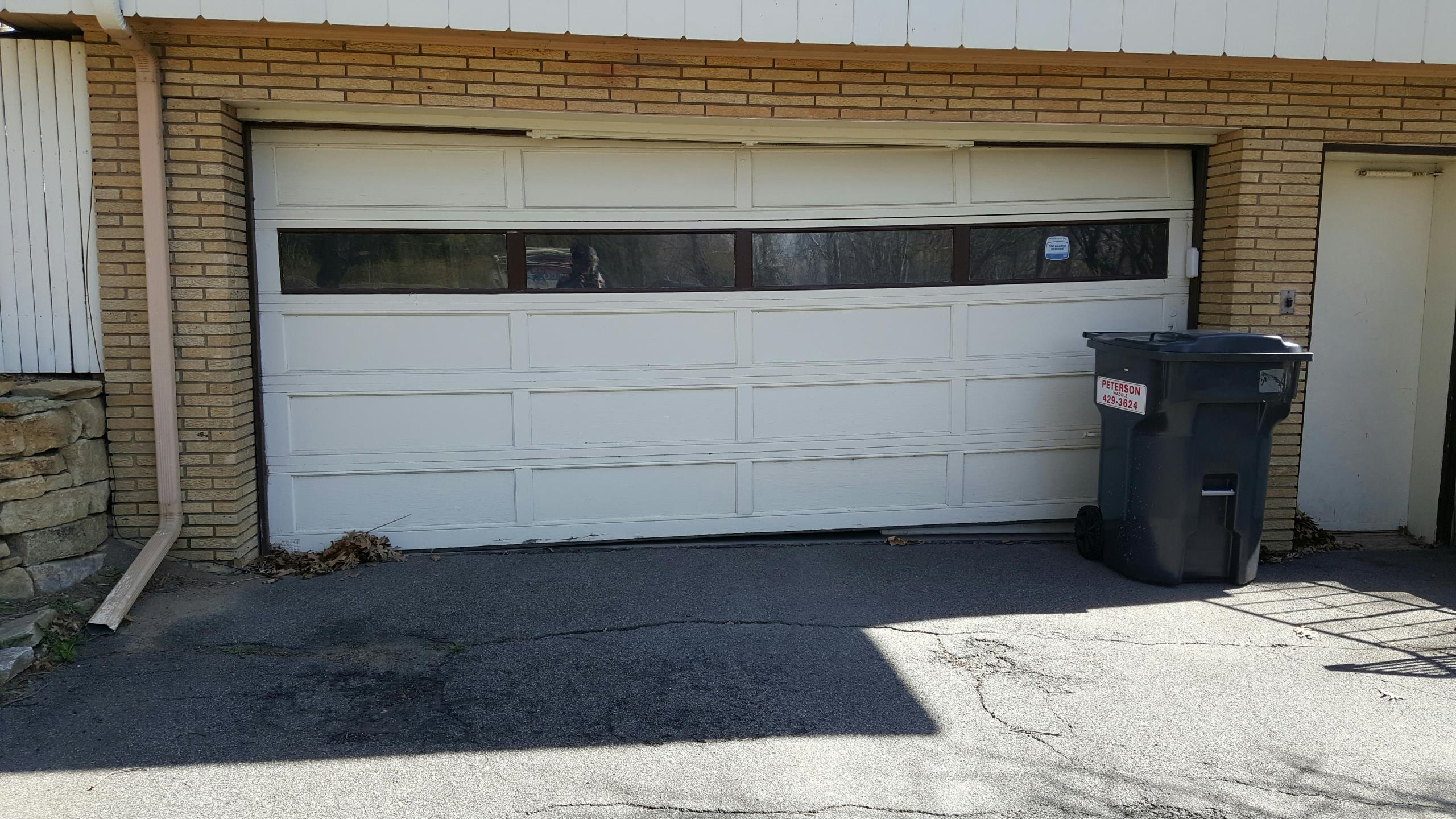 North Oaks, MN - Free estimate for garage door replacement