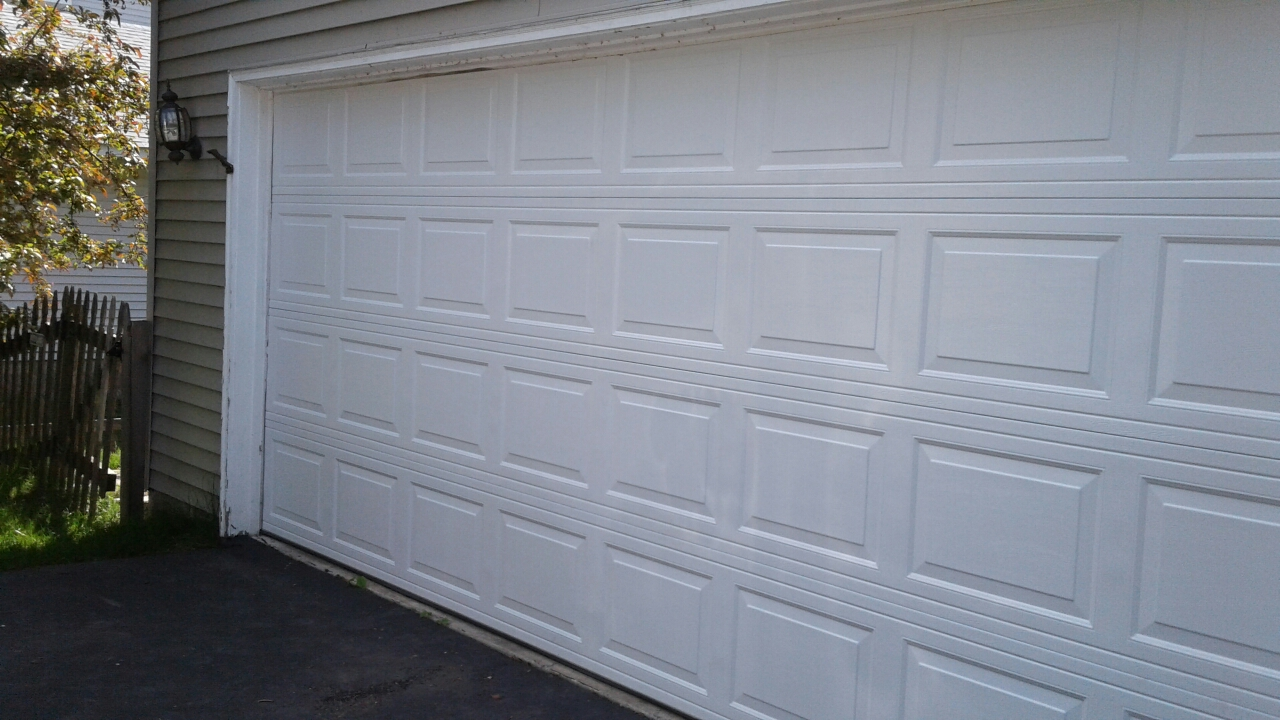Maple Plain, MN - Jon installed North Central RP25 16x7 Garage Door
