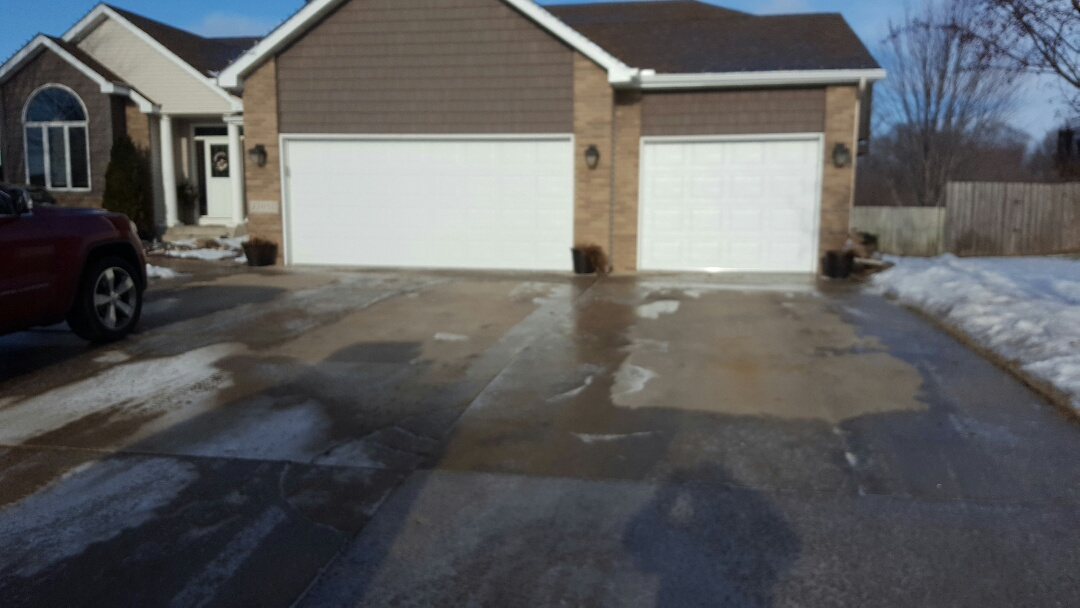Rogers, MN - Jeremy installed 16 by 7 and 9 by 7 garage doors