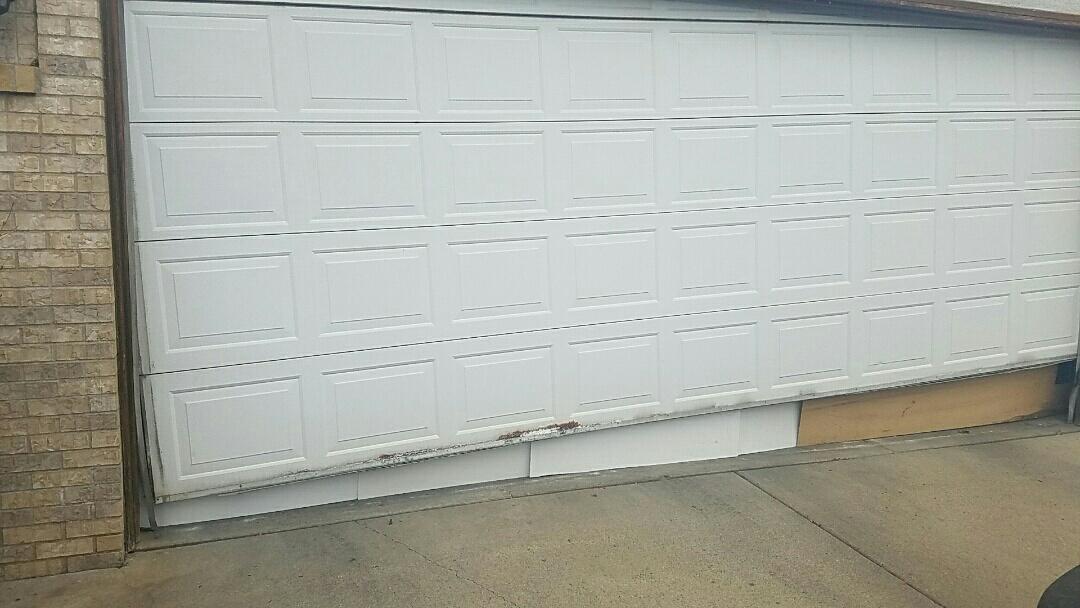 Bloomington, MN - Broken cable garage door cables Garage Door Repair Garage Door Service