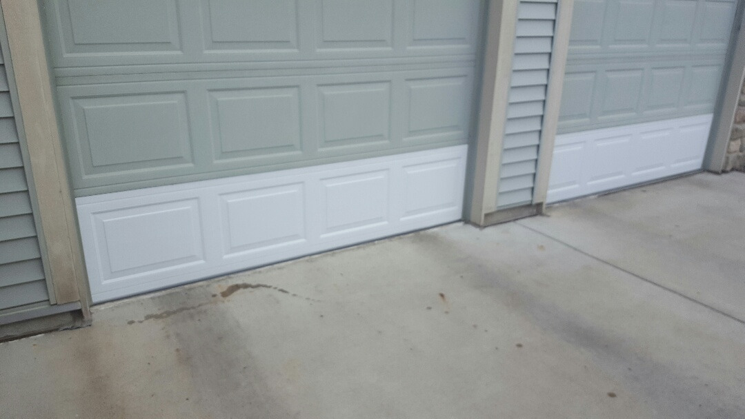 Shakopee, MN - Jeremy replaced bottom panels on north central garage door