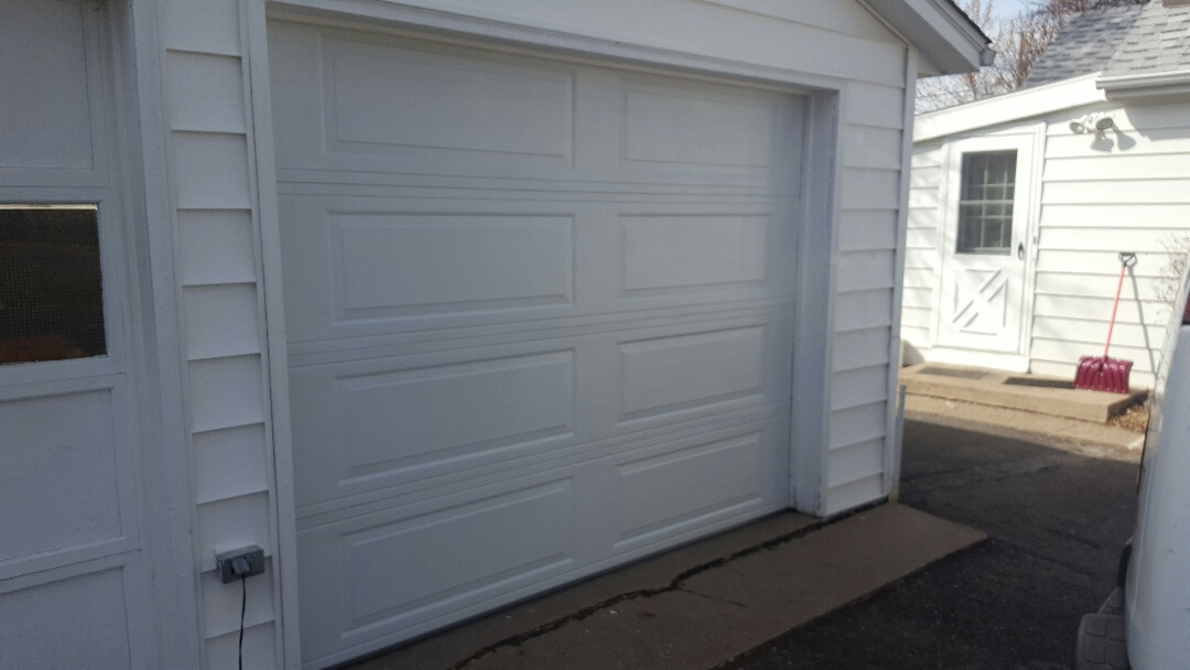 South Saint Paul, MN - Jeremy installed garage door