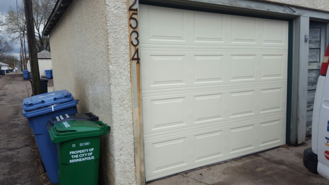 Minneapolis, MN - Jeremy installed new garage door and opener