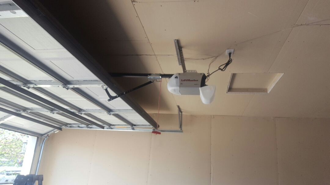 Minneapolis, MN - Jeremy installed new liftmaster garage door opener and rollers