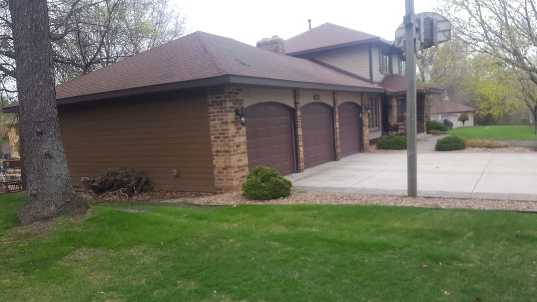 Burnsville, MN - Jeremy installed 3 9 by 7 garage doors