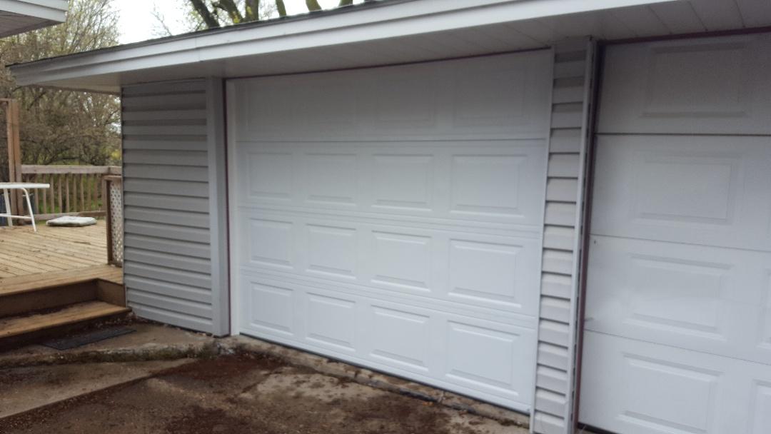 Oakdale, MN - Jeremy installed new garage door