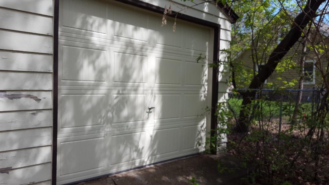 Minnetonka, MN - Jeremy installed new garage door