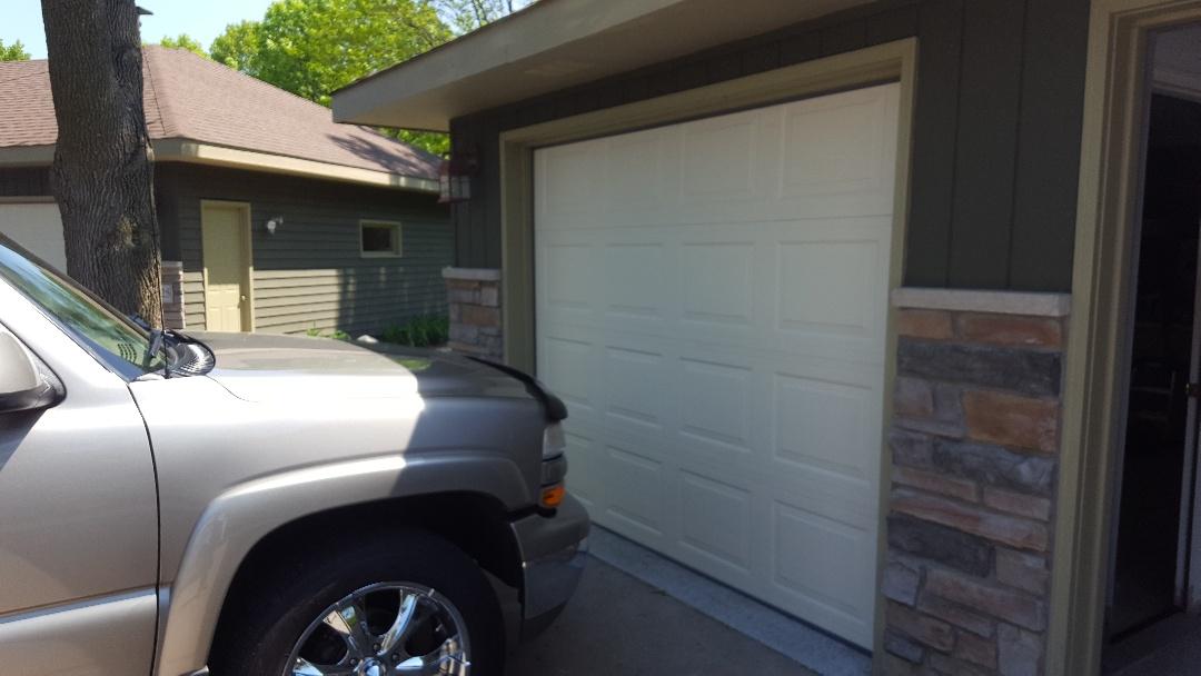 Woodbury, MN - Jeremy installed new garage doors