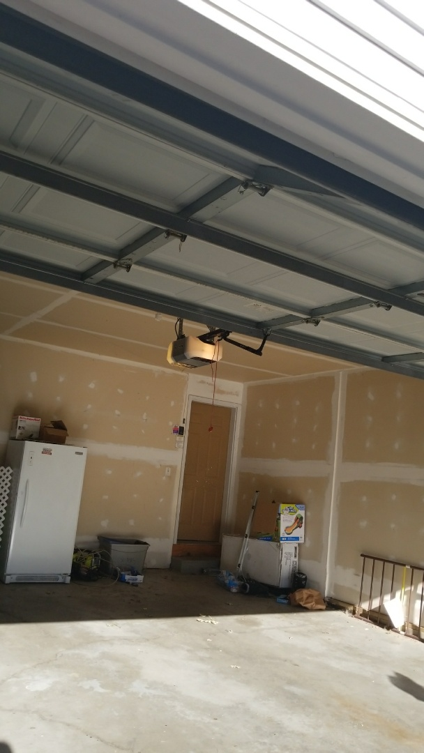 Woodbury, MN - Garage door service replaced garage door opener
