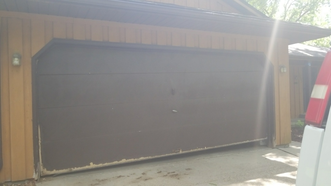 Apple Valley, MN - Garage door quote