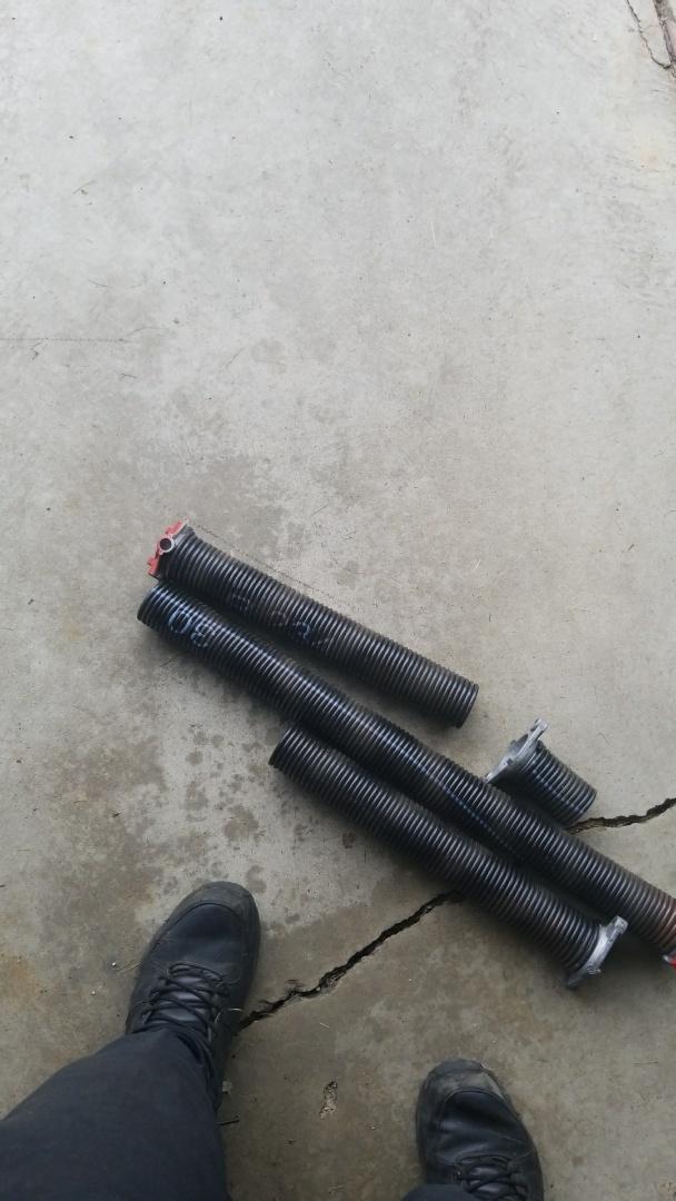 Farmington, MN - garagedoor service replacedsprings