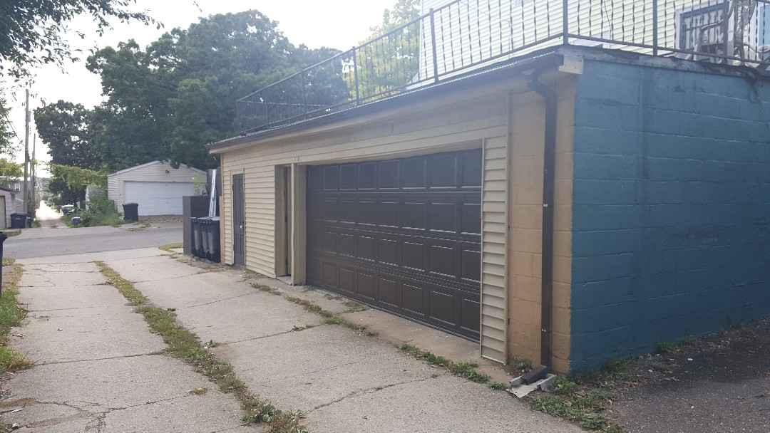 Rory installed a garage door in Minneapolis,  MN.