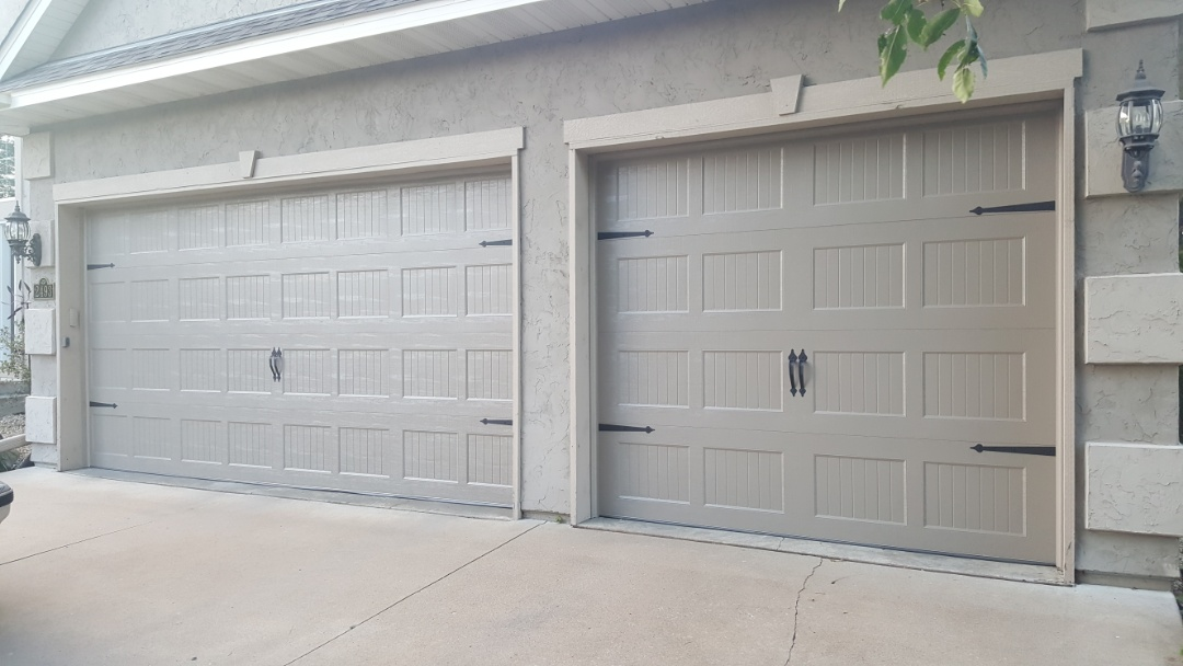 Blaine mn all american garage doors repairs for Garage doors blaine mn