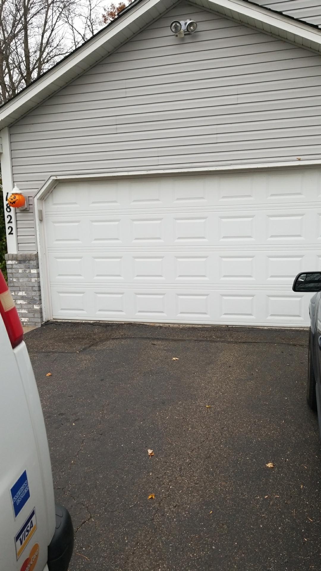Centerville mn all american garage doors repairs for Garage door repair minneapolis